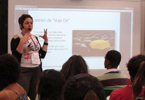 "Fernanda Antonioli explica o ""Vuja De"""